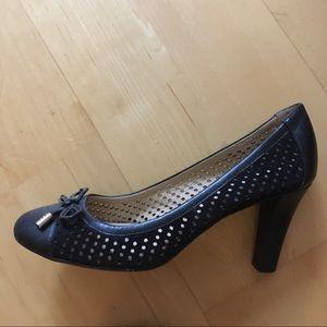 """2.5"""" leather heels"""